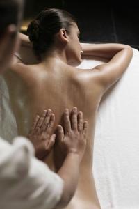 Švediško masažo ISPADO akademijos dėst. K. Bružė)